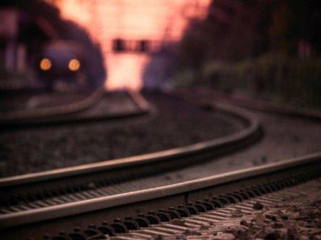 Девушку насмерть сбил поезд во время селфи в Актобе