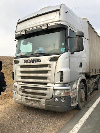 Дальнобойщику из Узбекистана неделю помогают мангистауские полицейские