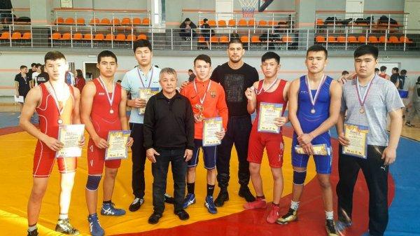Досрочная победа: Борец из Актау стал чемпионом турнира в России
