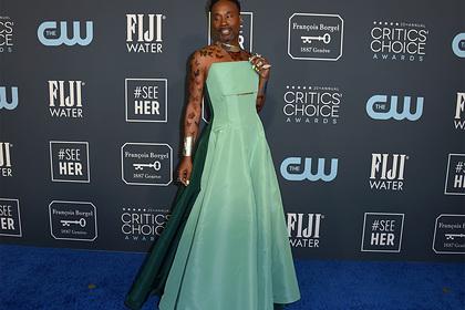 Известный американский актер пришел на ежегодную премию в женском наряде
