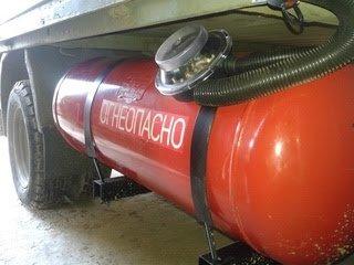 Авто на газе обяжут обозначать наклейками в Казахстане