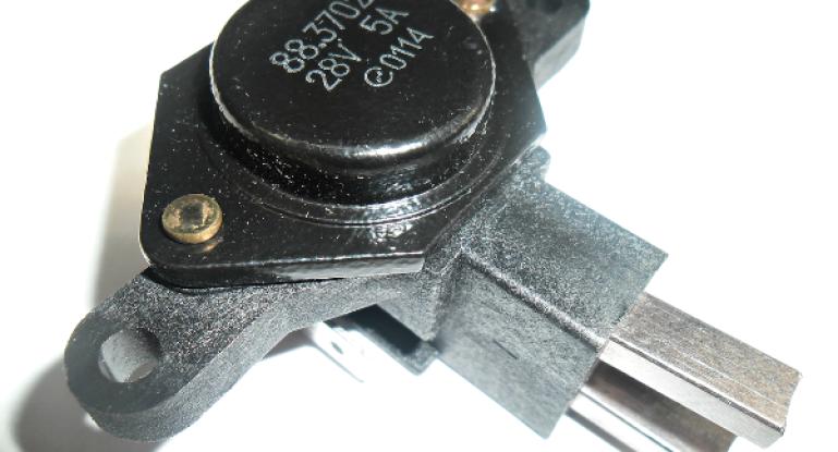 Регулятор напряжения генератора и симптомы его выхода из строя