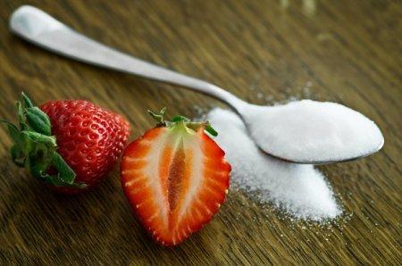 Доказано: сахар действует на мозг как наркотик