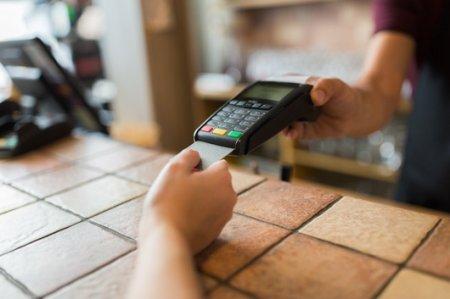 Национальную платежную систему создадут до осени - Досаев