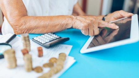 Почему женщины должны копить на пенсию больше мужчин, рассказал Нурымбетов