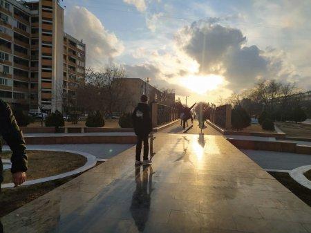 «Дайте нам место»: Скейтер обратился к акимату Актау