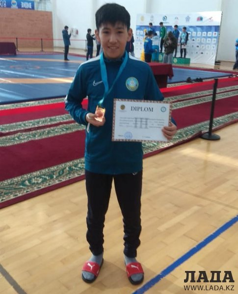 Борец из Актау стал бронзовым призером чемпионата страны