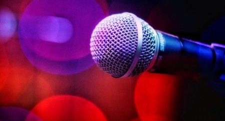 Это издевательство: вице-премьер обратился к казахстанским певцам