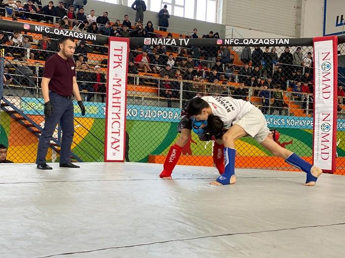 В Актау начался чемпионат области по ММА