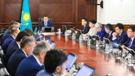 Постановление о ввозе и эксплуатации автомобилей из ЕАЭС подписал Аскар Мамин