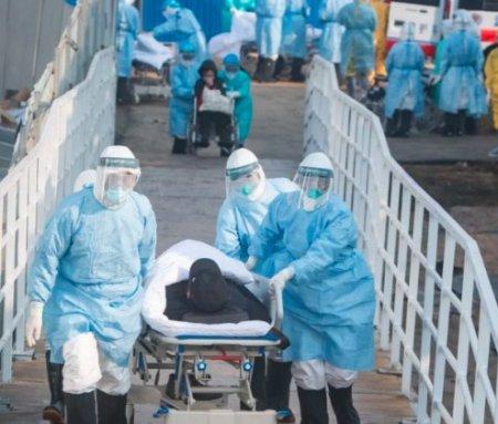 Число жертв уханьского коронавируса за ночь побило печальный рекорд