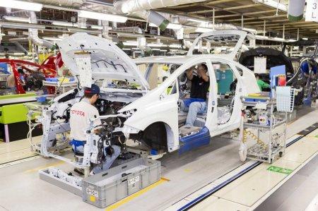 Toyota приостановила работу заводов в Китае