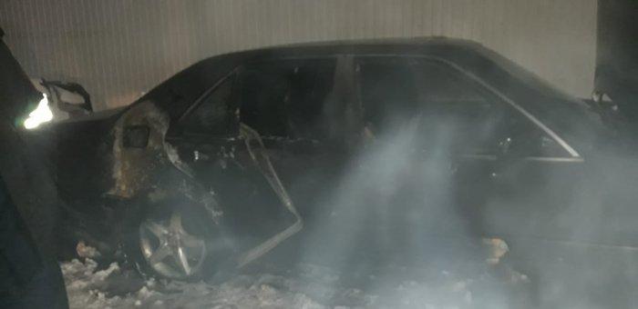 В 25 микрорайоне Актау сгорел автомобиль