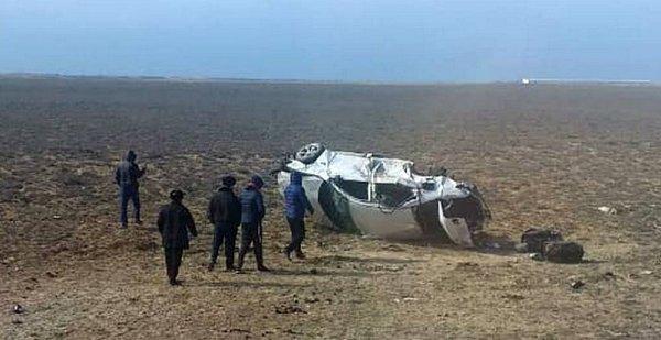 Автомобиль перевернулся на дороге в аэропорт Актау: Пострадали восемь человек
