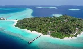 Мальдивы открыли первый в мире курорт для коронавирусного карантина