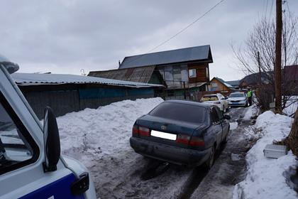 Россиянин угнал машину со спящим внутри хозяином