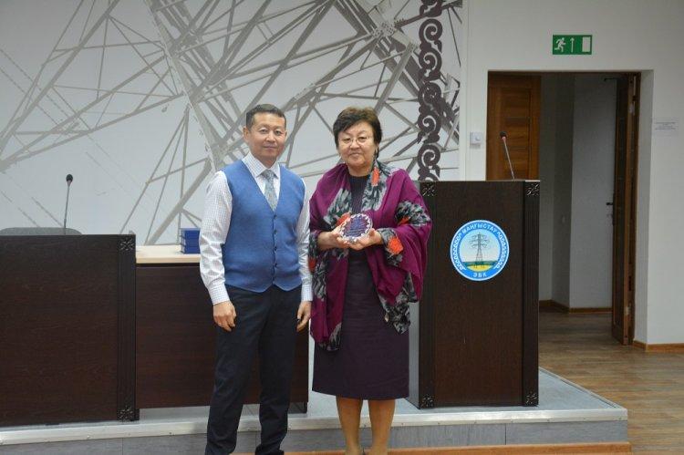 Женщины в энергетике: Асыл Сарсенова – 32 года работы в АО «МРЭК»