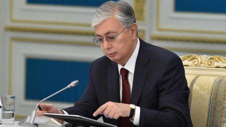 Токаев: Нужно запретить бумажные документы