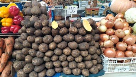Cлухи о массовой закупке горожанами продуктов питания в Актау проверила Lada.kz