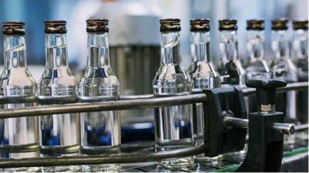 Убивает ли водка коронавирус, рассказала врач