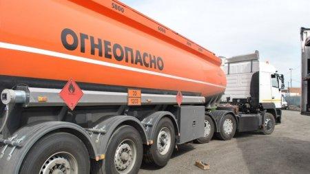 Казахстан запретил ввоз бензина из России