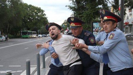 В Казахстане пересмотрели порядок проведения митингов