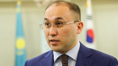Даурен Абаев: Режим ЧП - не повод ущемлять права журналистов