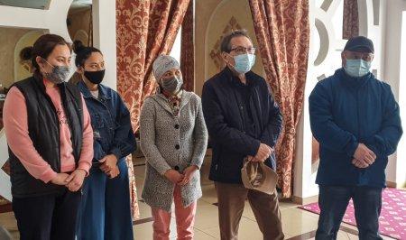 Аким Мангистау побывал в гостинице для медицинских работников