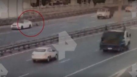 Мужчина на ходу выпрыгнул из багажника авто, спасаясь от похитителей в Москве