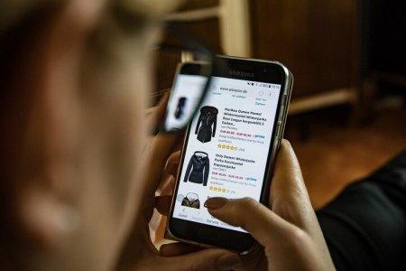 Онлайн-торговлю хотят освободить от некоторых налогов в Казахстане