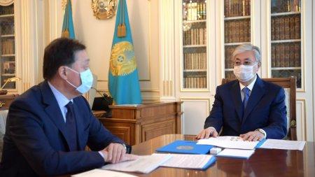 Токаев поручил продлить карантин в Казахстане