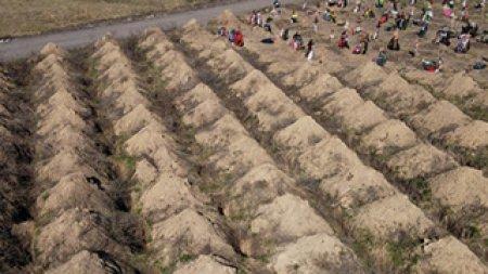 В Туркменистане просят маскировать могилы умерших, чтобы их не разглядели со спутников