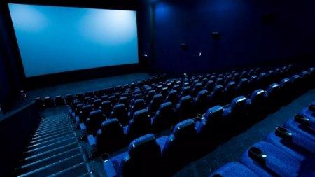 Почему не разрешают работать кинотеатрам, объяснили в Минздраве