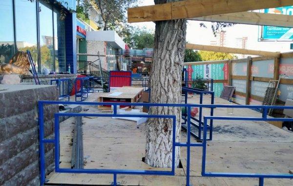 Жильцы согласия не давали! Выездная комиссия акимата решит вопрос открытия кафе в жилом доме в Актау