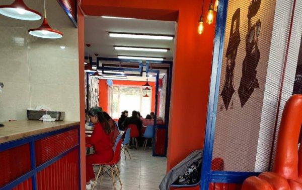 Прикрылись мораторием: В Актау прошло открытие кафе наперекор возмущениям жильцов