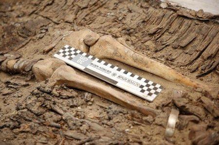 Останки древнего воина обнаружили в Атырауской области