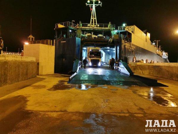«Композитор Рахманинов» прибыл по новой паромной линии в порт Курык из Ирана