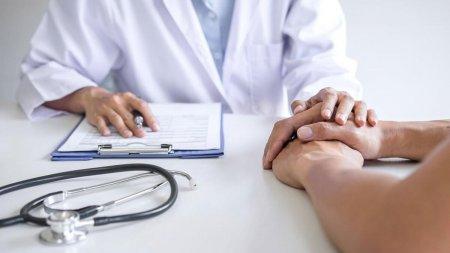 Для чего в паспорте здоровья нужны данные о зарплате, рассказали в Минздраве