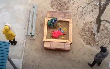 Актауским детям зима нипочем. Видео