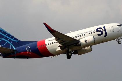 Вылетевший из Джакарты пассажирский самолет пропал с радаров