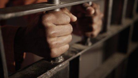 Казахстан официально отказался от смертной казни