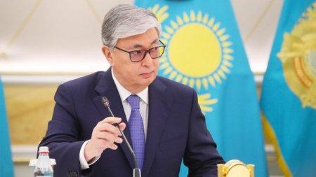 Токаев намерен повысить зарплату более миллиону казахстанцев