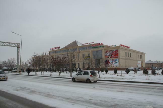 Снег в Актау: Как выглядят дороги
