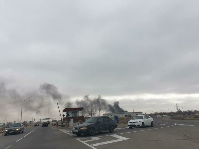 Мусор горел в районе промзоны №6 в Актау