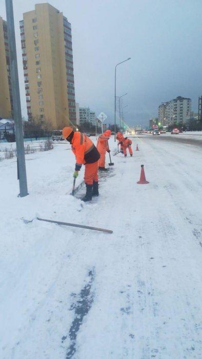 В Актау уборкой снега занимаются девять единиц спецтехники и 36 работников ТОО «Кала жолдары»