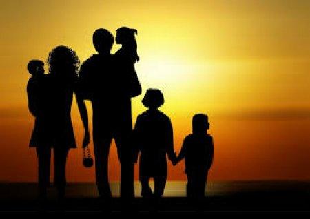 Многодетные матери в «Нур Отане»: требуем платить пособие по 42 500 каждому ребенку