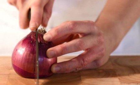 Необычный способ нарезать лук признали гениальным