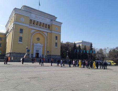 В Алматы полиция задержала нескольких сторонников Демпартии перед началом санкционированного митинга