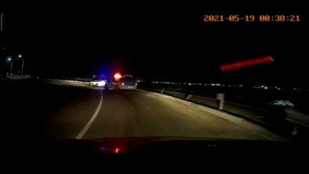 Сегодня ночью ещё одна машина вылетела с дороги на злополучном перекрестке к Риксосу. ВИДЕО