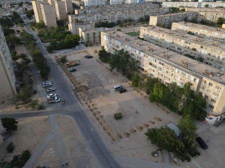 Строительством бизнес-центра вплотную к дому возмутились жильцы 12 микрорайона Актау
